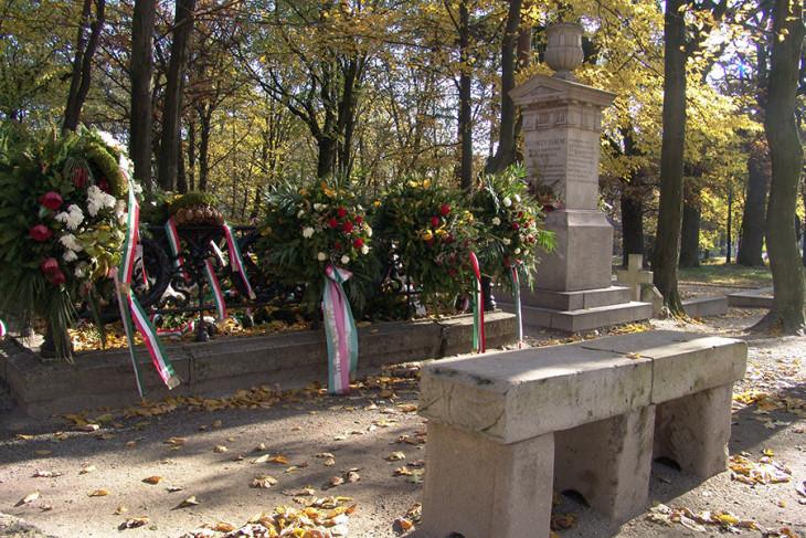 A Magyar Nyelv Múzeuma-Kazinczy sírja