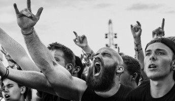 Mostantól sikíthatsz az online koncerteken