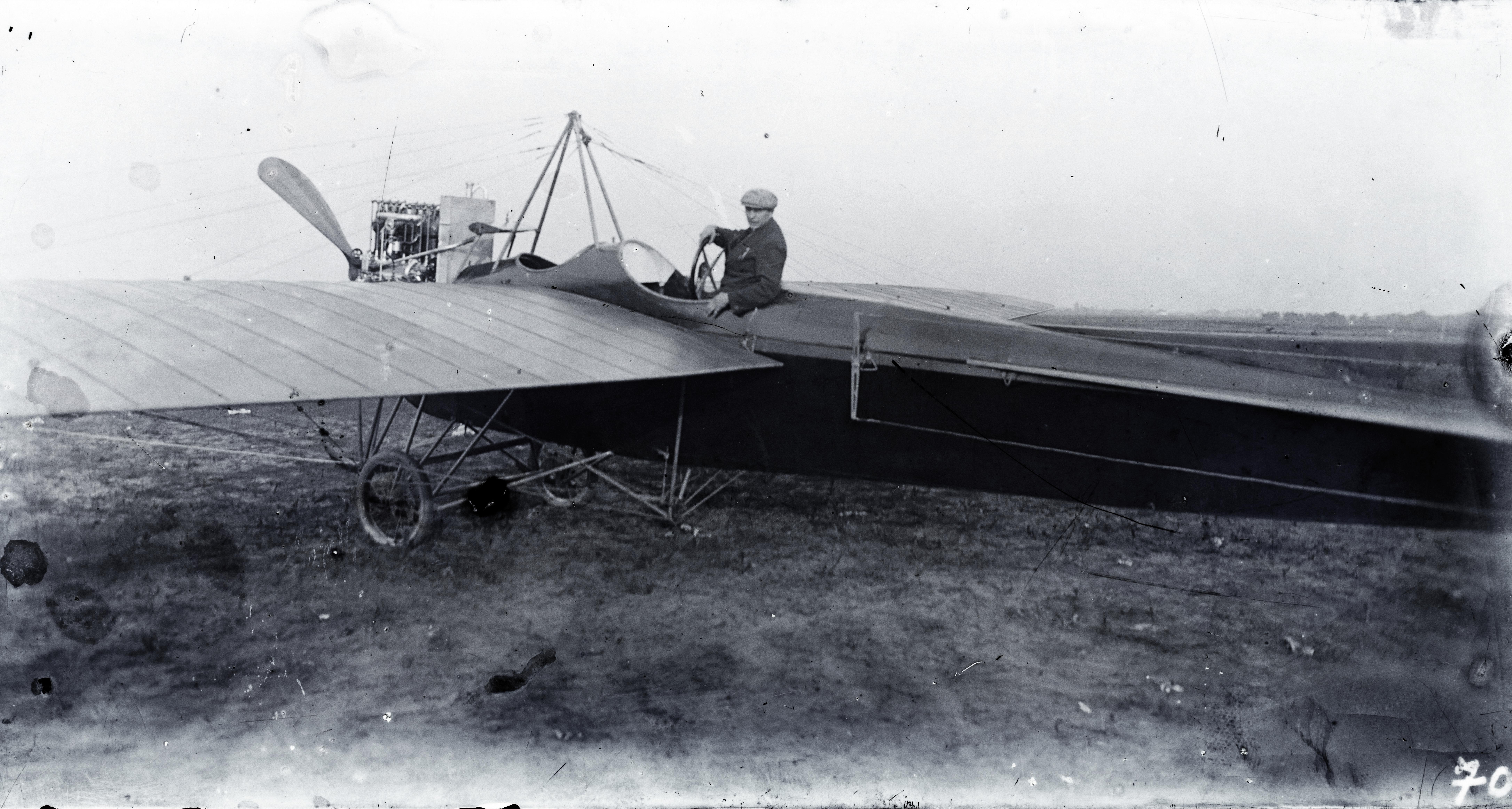Fortepan / Magyar Műszaki és Közlekedési Múzeum / Archívum / Negatívtár-Kolbányi-V. típusú repülőgép - Argus 100 Le-s motorral - Rákosmezőn, 1911