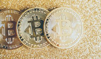 A digitalizált bizalom – Blokkláncok és kriptovaluták a decentralizált jövőért