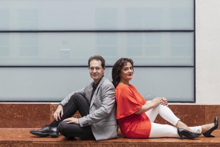denesvarjon.com/ Kondella Misi, Várjon Dénes és felesége, Simon Izabella-