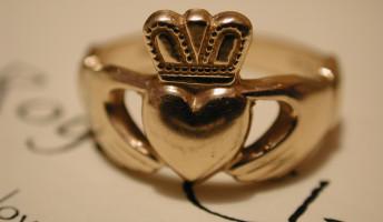 Vörös Kriszti: Az első gyűrűm