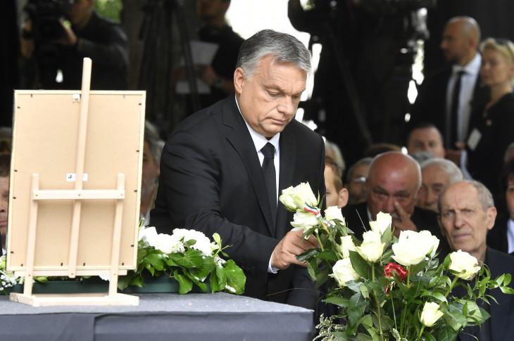 MTI/Koszticsák Szilárd-Orbán Viktor miniszterelnök Fekete György búcsúztatásán