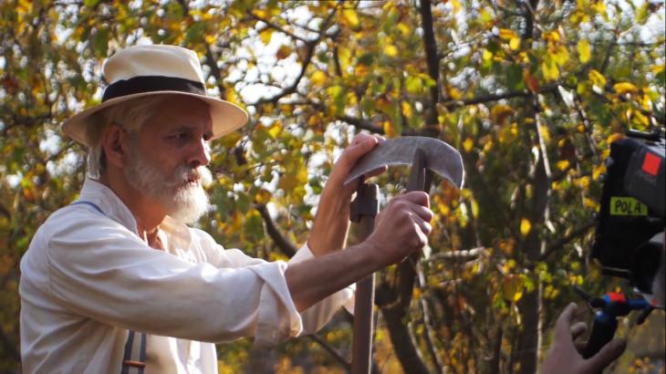 Istenke bicskája c. dokumentumfilm-Kőszegi Ákos alakítja a filmben az idős Benedek Eleket