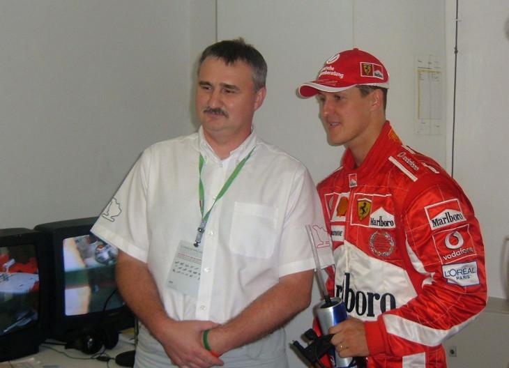 Hungaroring-Várhegyi Ferenc a 20. Magyar Nagydíjon Michael Schumacherrel