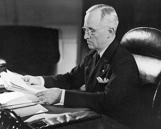 trumanlibrary.org-Harry S. Truman, az Amerikai Egyesült Államok 33. elnöke