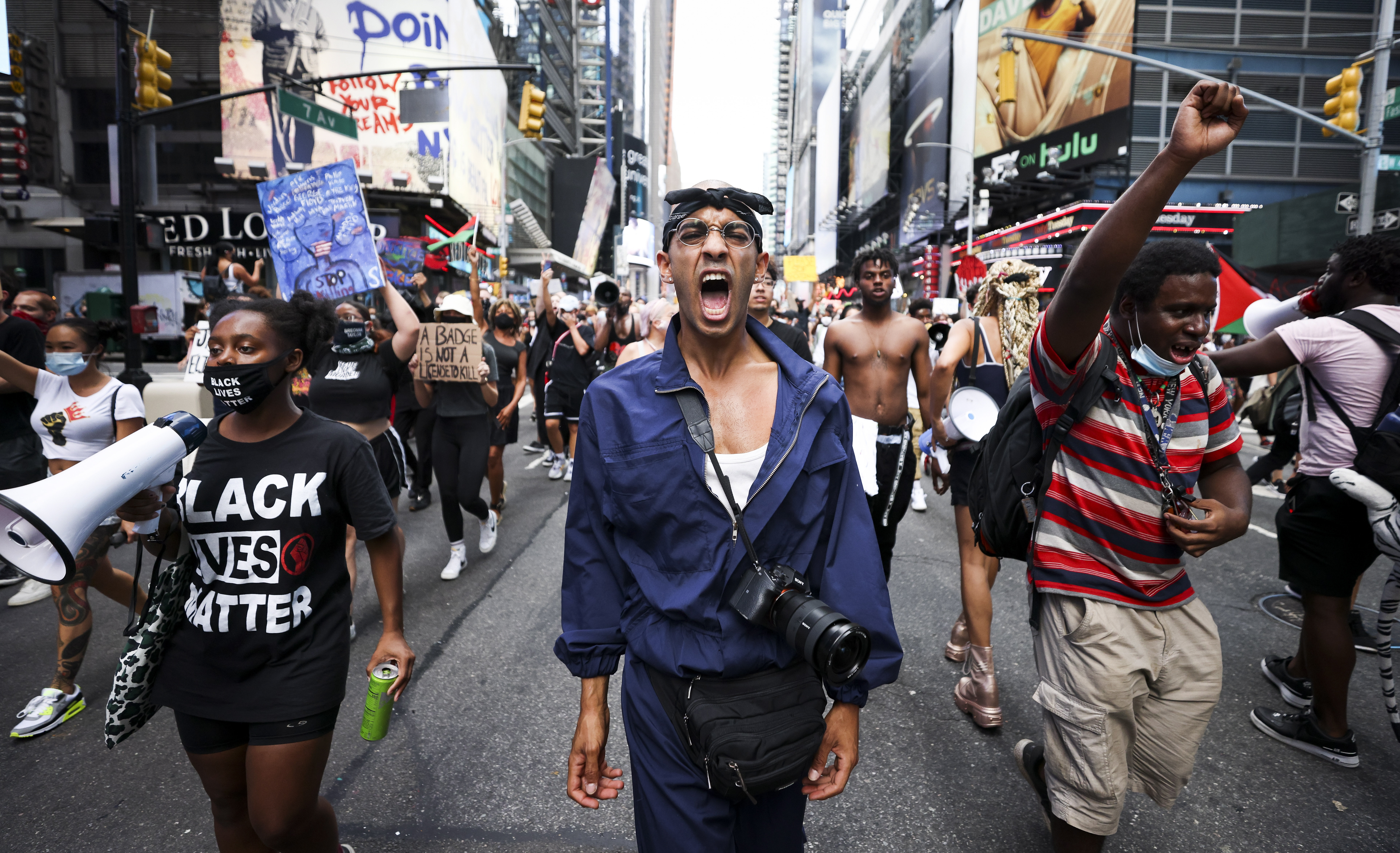 MTI/EPA/Justin Lane-A Black Lives Matter mozgalom támogatói tüntetnek New Yorkban augusztus 25.-én.