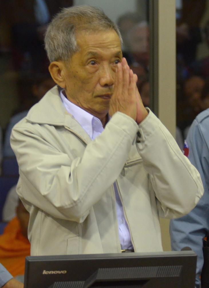 MTI/EPA/Nhet Sok Heng-KAING GUEK EAV, más néven Duch a bíróságon, ahol életfogytiglani börtönbüntetésre ítélték 2012-ben