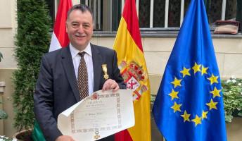 A spanyol király kitüntette Elekes Botondot