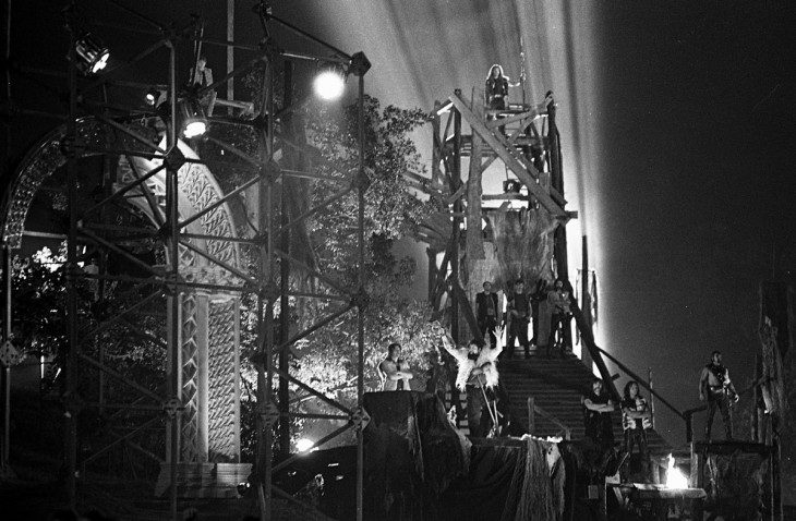 Fortepan / Urbán Tamás-Szörényi Levente - Bródy János: István, a király című rockopera bemutatója és filmfelvétele 1983. augusztus 18-án, rendező Koltai Gábor. Középen Torda szerepében Deák Bill Gyula.
