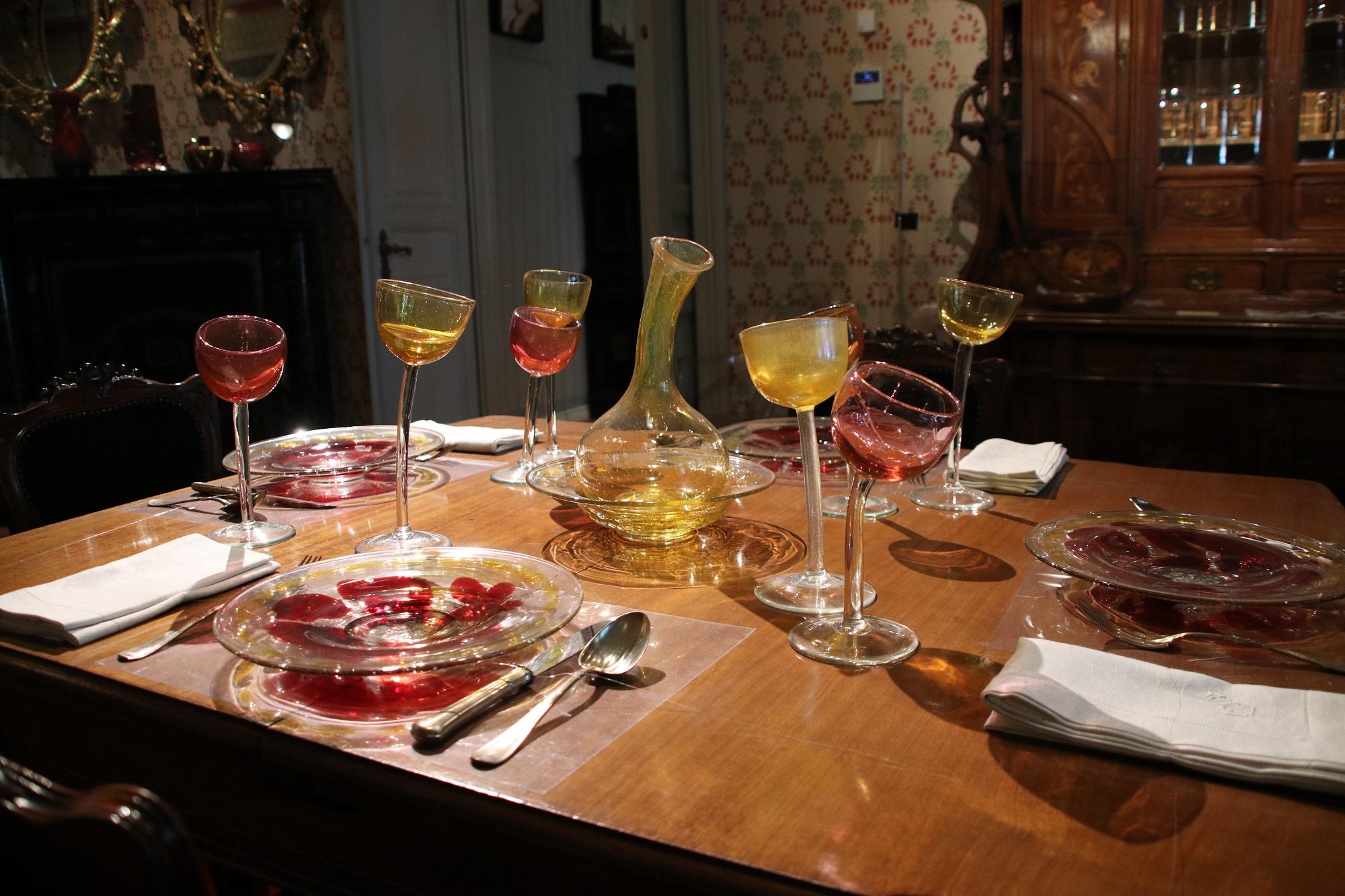 Hajónapló-Különleges poharak díszítették a Ráth György-villát