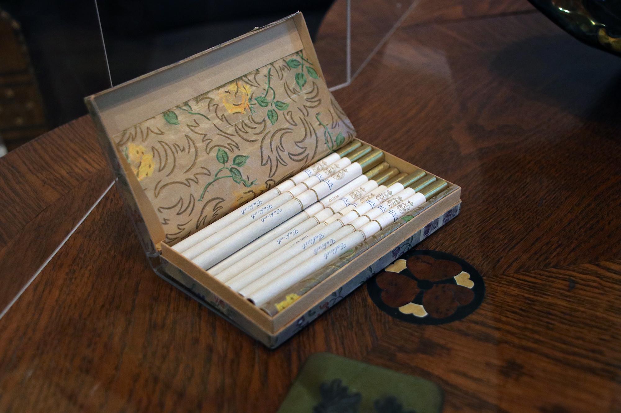 Hajónapló-Három szál cigaretta hiányzik a dobozból