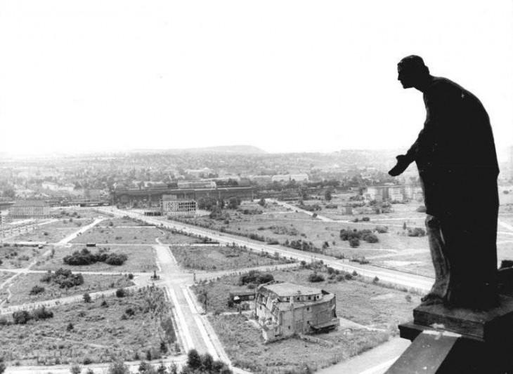 Bundesarchiv-Prager Strasse 1958