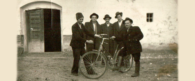 A mi kis falunk '56-ban