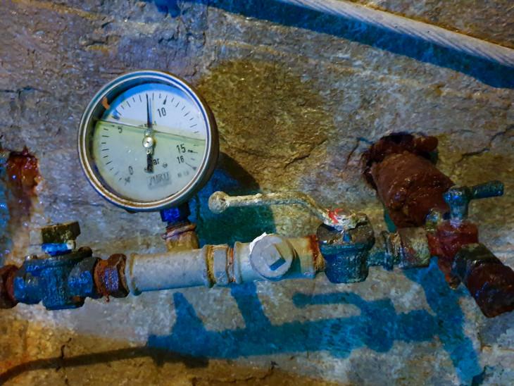 Nyírő András-A műszer azt mutatja, hogy majdnem száz méteres vízoszlop alatt állunk