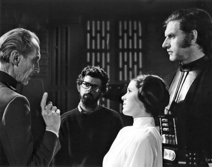 IMDB.com-George Lucas, Carrie Fisher, Peter Cushing, és David Prowse.